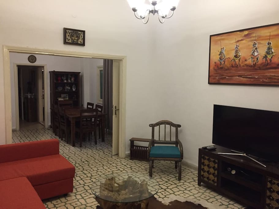 Cosy spacious one 1 2 bedroom apt apartments for rent for Living room amman