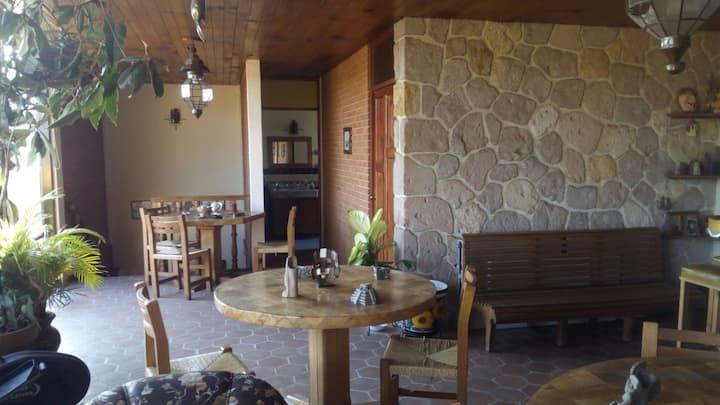 """Habitación con Desayuno """"Casa Ambriz"""" Zona Centro"""