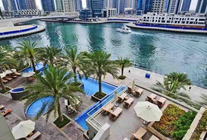 Beautiful apartment, Dubai Marina, 5* facilities.