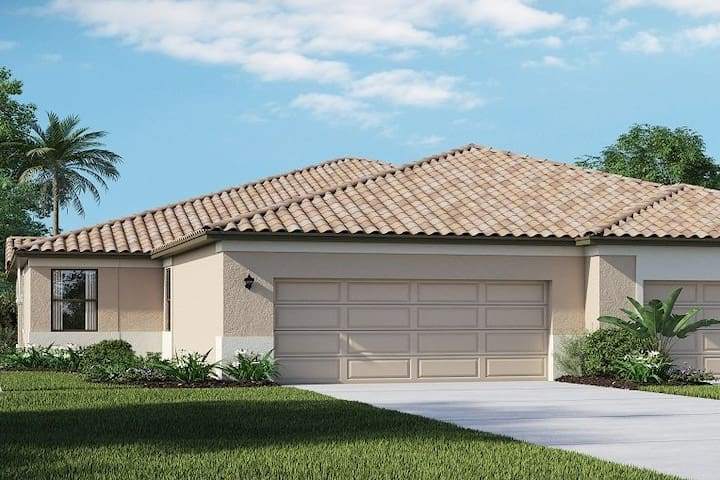 Great Location! Near Venice and Rt 75 to Sarasota.
