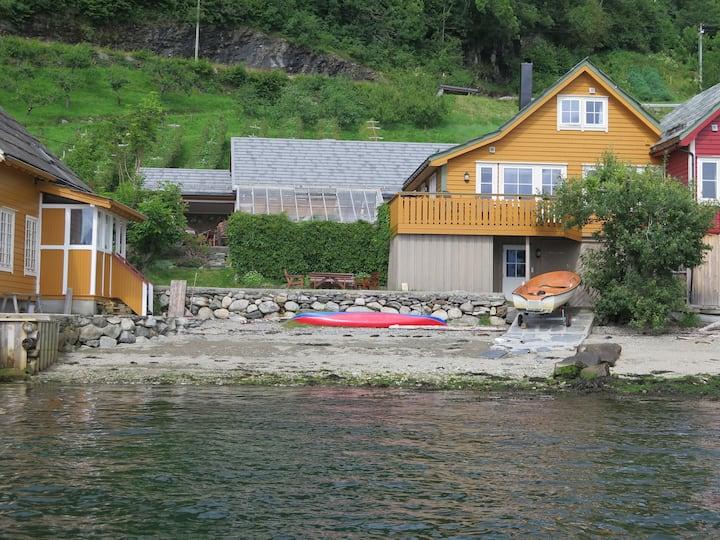 Pakkhuset by Hardangerfjord