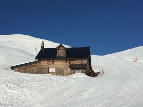 """Chalet Passo Rolle"" a 1950 mt."