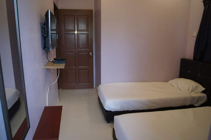 Dragon Mâisòn Kota Bharu 2 pax (2 single beds)