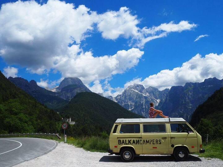 Kreso Vintage Westfalia Camper Van 82'