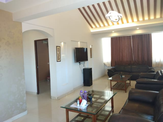Luxurious AC 2BHK Fully Furnished Penthouse in Goa