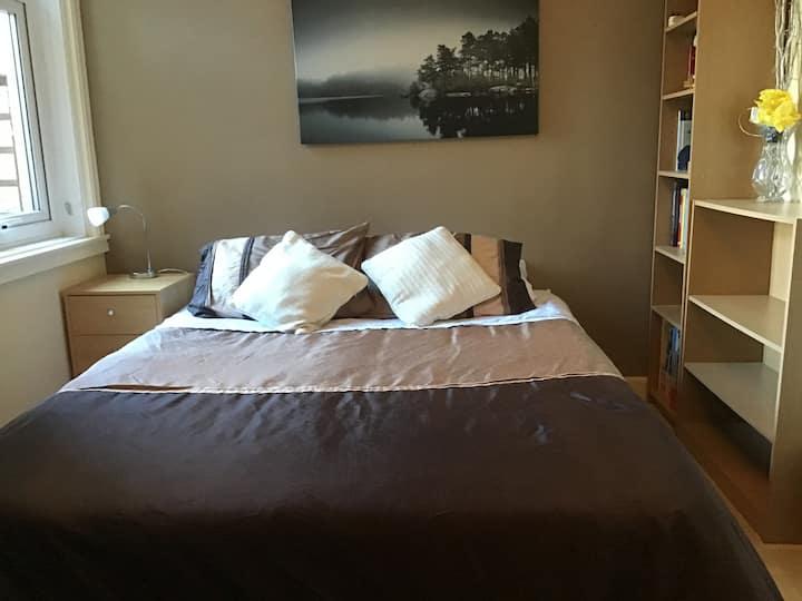 Cosy double room in great area Edinburgh Blackhall