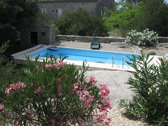 Villa des Roches - Labeaume - House