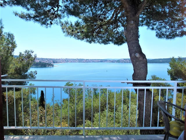 Sea View Apartment, near center & sea - Trogir - Leilighet