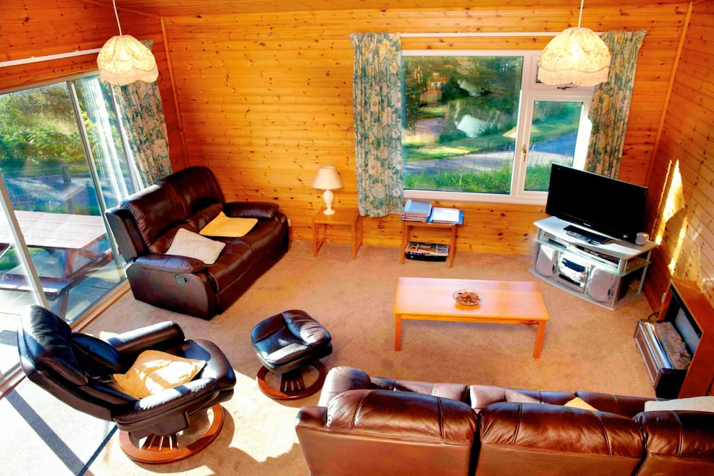 Lodge 2 Living Room