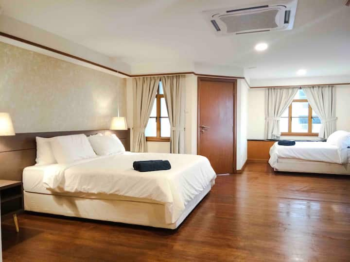 Lexis Port Dickson Airplan Suite 7 - Up to 6 Pax