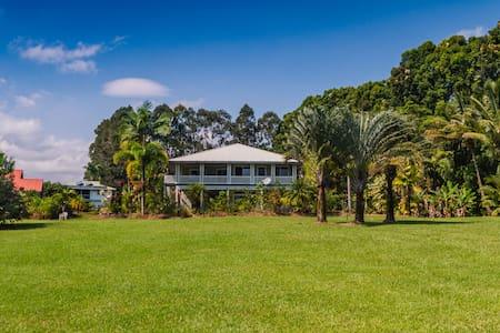 Onomea Bay Scenic View Home