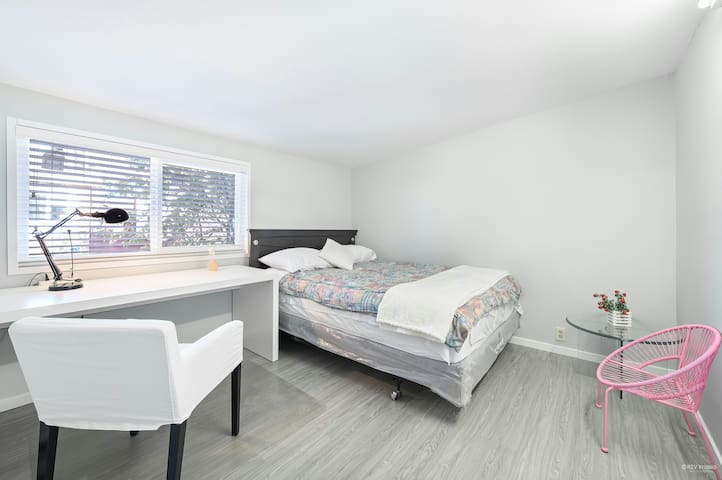1 Bdrm 1 Living 1 Bath Suite  in Vancouver Central