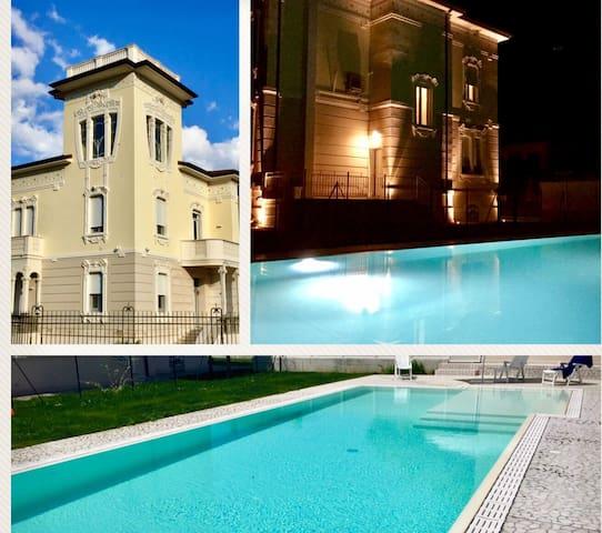 Villa girasoli - piscina/swiming pool