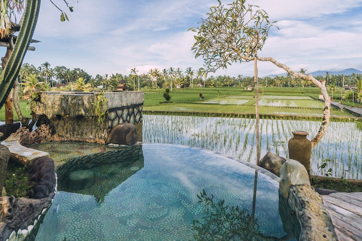 2BR Wooden House With Mountain View Near Ubud