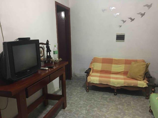 Sala da Casa (com um jogo de sofá 2 e 3 lugares, 2 poltronas e TV)