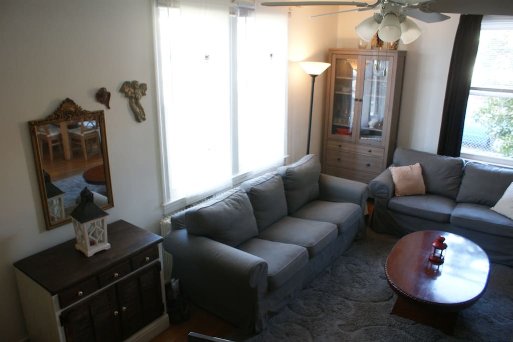 Living Room: Comes with TV/Cable/HBO/Movie Package