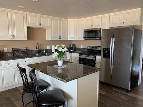 Newly remodeled Suite large2 bd 1 ba DesertEscape