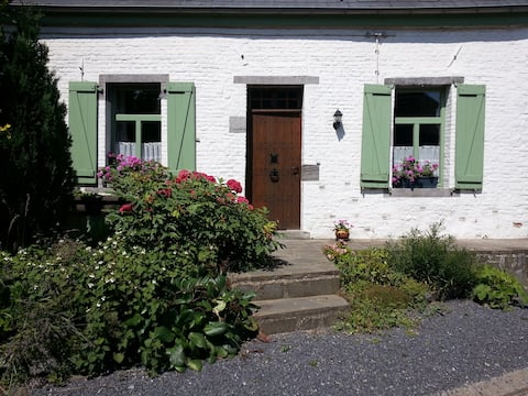 Charming country house close to the Honnelles