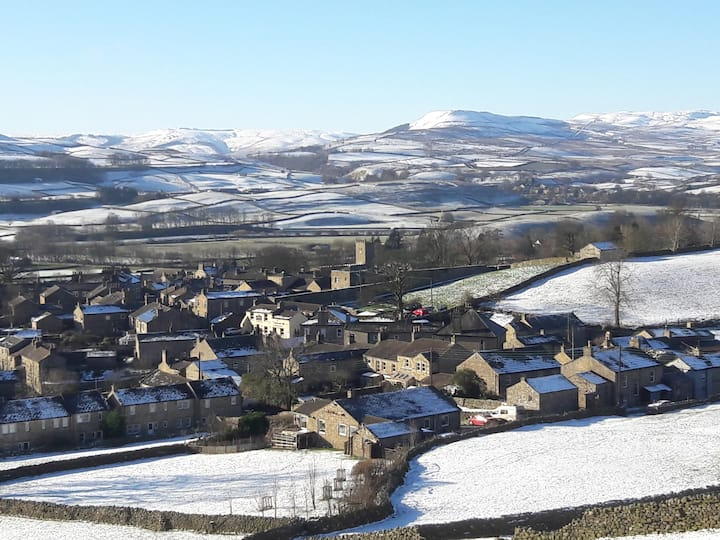 Snow over Askrigg