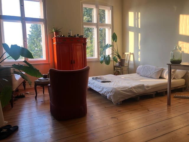 HUGE cosy room in a beautiful Kreuzberg loft