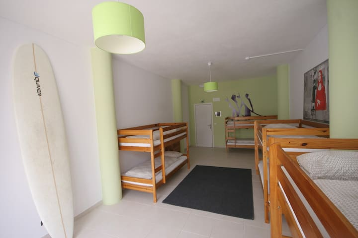 1 Bed in Male Dorm - Peniche - Internat