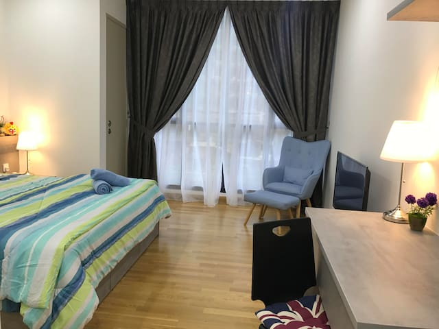 KL Gateway Near UM, Mid Valley, Capri for 2 pax
