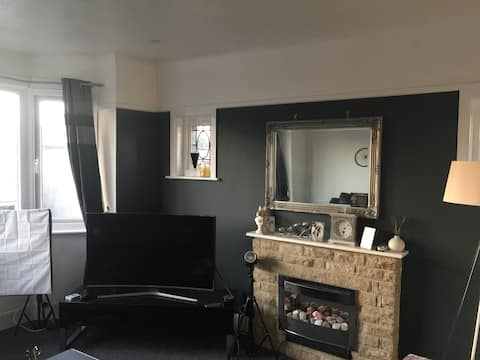Beautiful flat and comfy room in Bournemouth