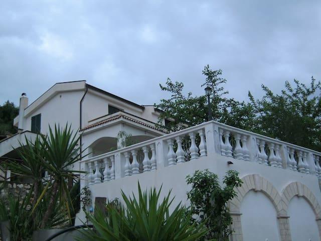 Casa Vacanza Vieste 1- Villa Chiara - Vieste - Appartement