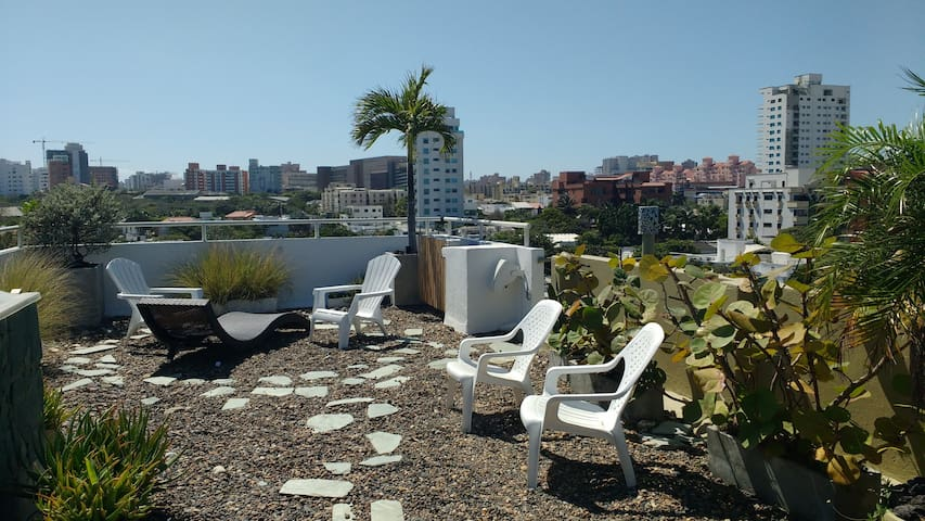 BEAUTIFUL PENTHOUSE, AMAZING TERRACE AND LOCATION!