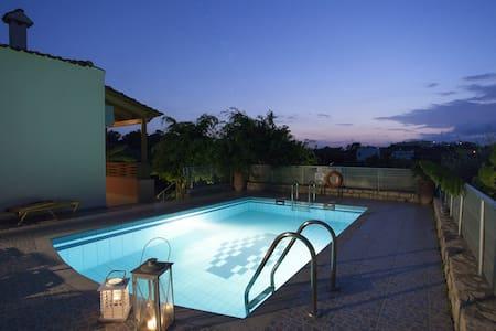 Villa Pelagia *CRETE* *Private Pool* 2bdrms *WiFi* - Creta