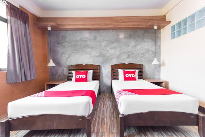 Superior Twin in OYO 1118 boutique Hotel