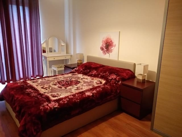 Ensuite Near City Centre & easy from/to Airport