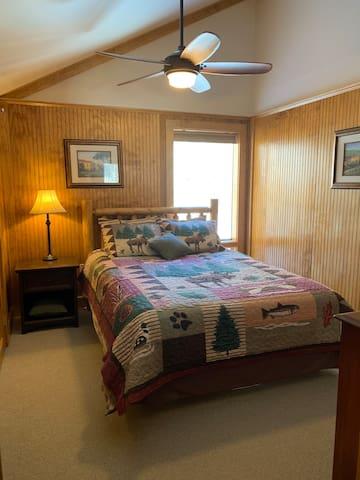 Queen Bedroom Second Level