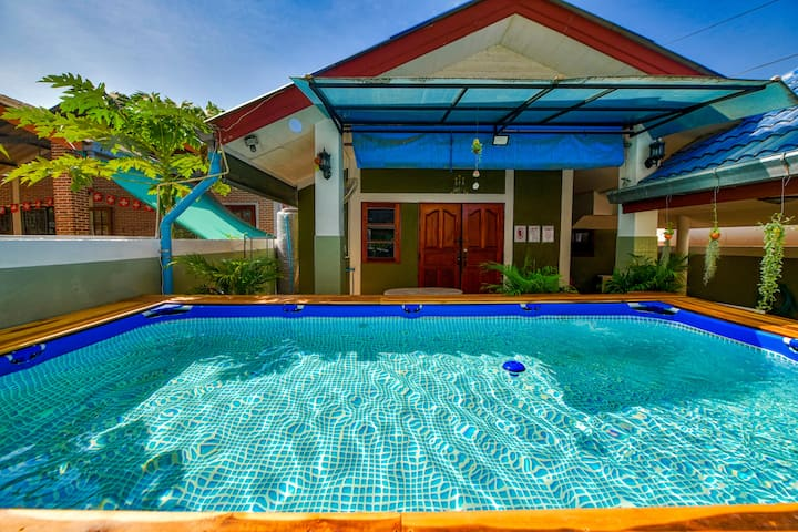 8 person Private pool, perfect for kids, relax