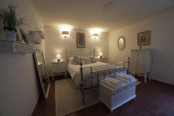 Casa Luna - Private Cottage - Private Garden
