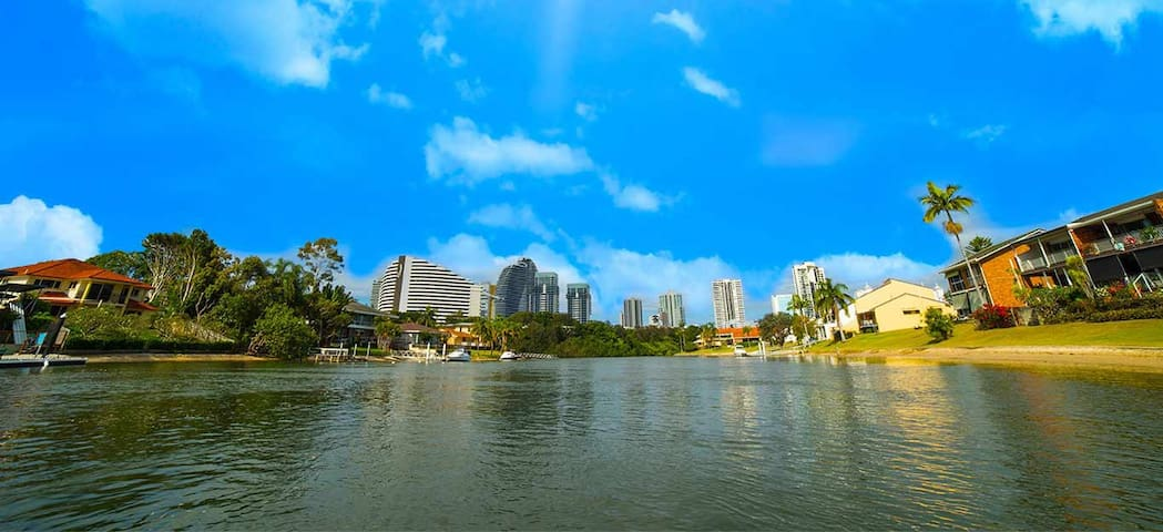 Self Contained Unit Broadbeach - Broadbeach Waters - Huoneisto