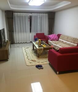 舒适公寓  次卧;与我共享客厅厨房卫生间 - 乌鲁木齐市