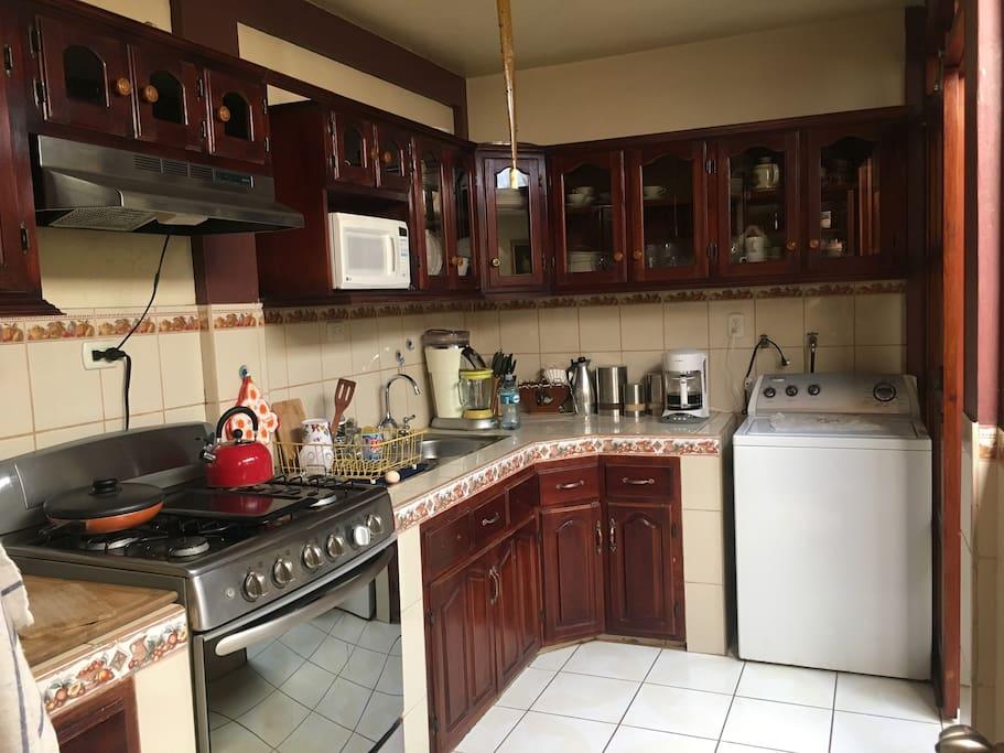 Kitchen / Küche / Cosina