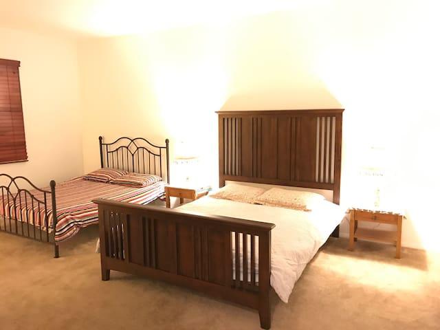 2 beds Master PRIVATE BATHROOM - Irvine - Villa