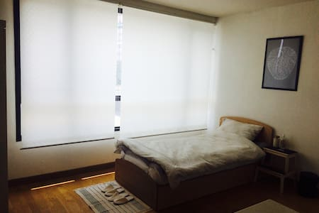 김포공항과 가까운 깨끗하고 편안한 방 [송정역(5호선), 공항시장역(9호선)] - Apartment
