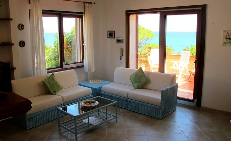 Casa sulla spiaggia con giardino - Cala Liberotto - Appartement