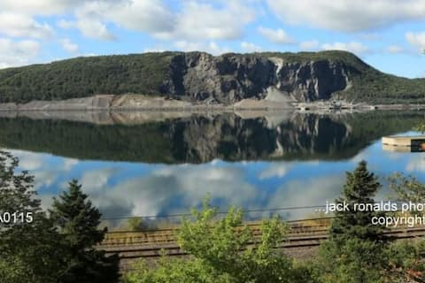 Lovely 2 bedroom rental with Canso Causeway view