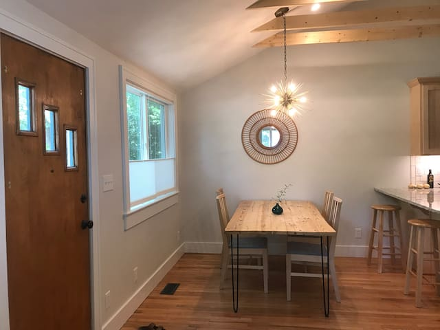 Sunny updated retreat south of campus