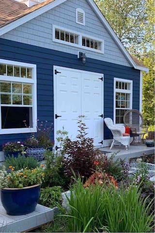 Tiny Cottage, Large Laughs & Coastal Breezes