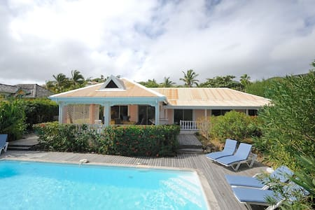 Sunbird - Ideal for Couples and Families, Beautiful Pool and Beach - Orient Beach