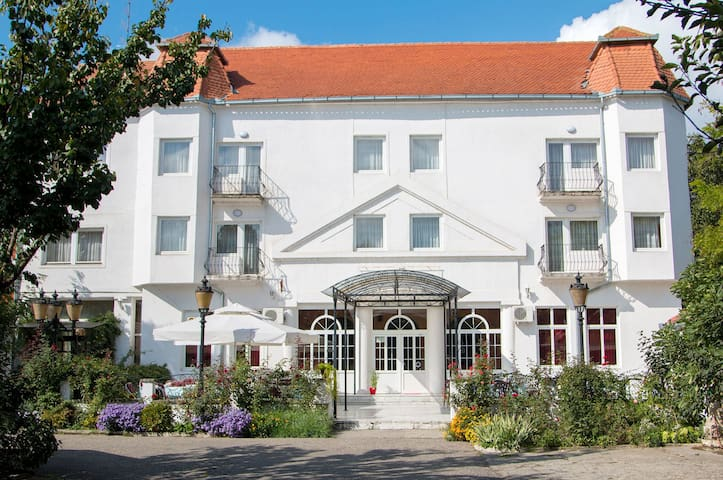 Motel Beli Dvor Sombor