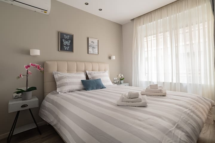 2room pristine flat for 4ppl in the ❤ of Athens!