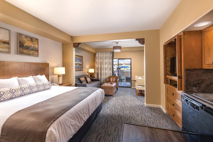 Studio Suite at Phoenix Resort