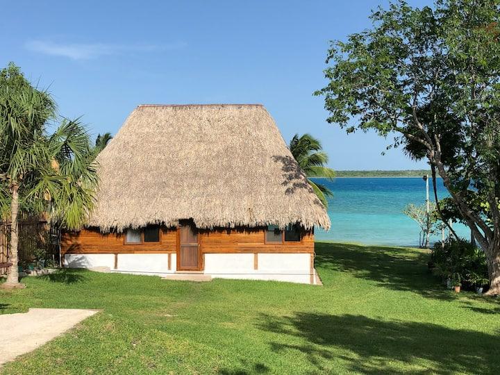 Casa Palapa a la orilla de la Laguna