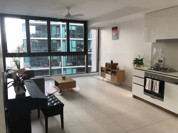 Cute Apartment in Bustling Newstead